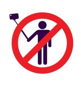 selfie-stick-ban-2-408x430